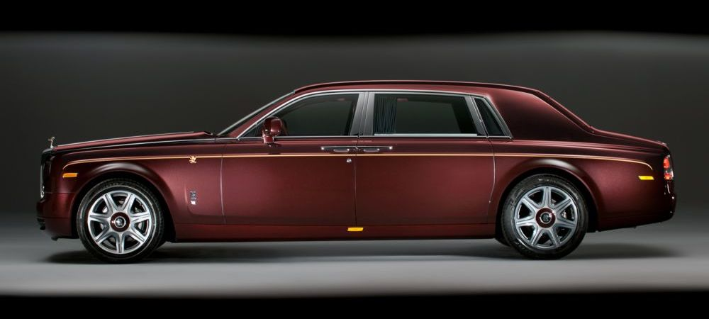 Cine e barbatul care a facut cea mai mare comanda din istoria Rolls Royce. A comandat 30 de masini pe 20 de mil dolari in 5 minute