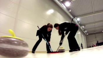 """Nationala de curling cauta bani ca sa ajunga la CE: """"Incercati si voi si apoi sa va vedem daca mai radeti de maturile noastre!"""""""