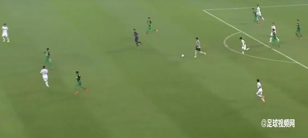 ASTA se intampla cand un portar se crede Messi! :) Ce a facut la ultimul meci al echipei lui