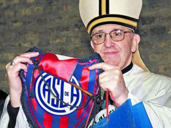 """Papa Francisc, DAT AFARA din vestiarul echipei preferate: """"Ce cauta preotul asta aici?"""" Intamplare povestita dupa 16 ani de Basile"""
