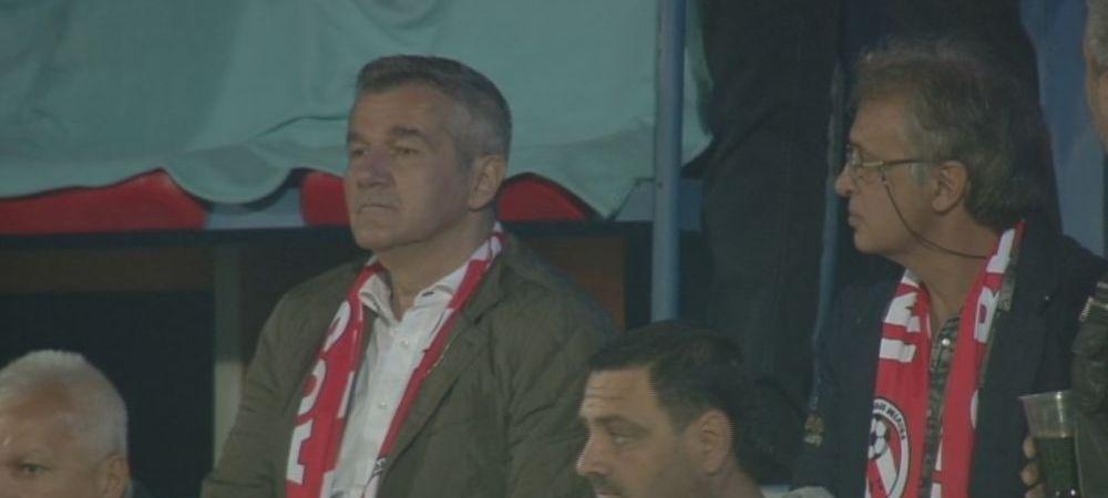 Aparitie surpriza in tribune la meciul Stelei. Ce vedeta din Romania a venit cu fularul Berceniului la gat