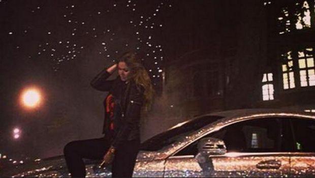 """Cea mai vulgara masina"" a fost vanduta pe eBay! Cat a costat Mercedes-ul CLS 350 decorat cu 1 milion de cristale Swarovski"