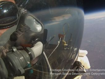 INCREDIBIL! Recordul lui Felix Baumgartner a cazut dupa doi ani! Un director de la Google a rescris istoria! VIDEO
