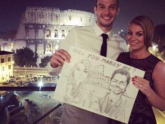 Andy Carroll si-a cerut iubita de sotie langa Colosseum. FOTO