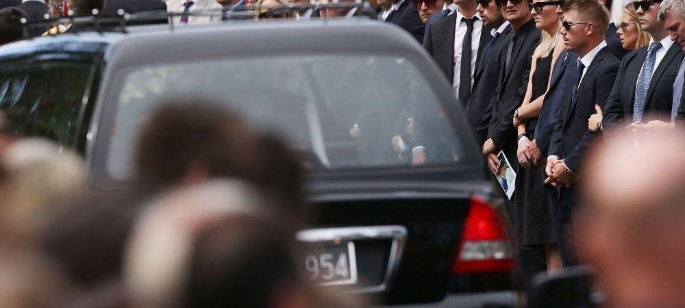 FOTO Jucatorul de cricket care a murit pe teren a fost inmormantat azi in orasul sau natal. Zeci de mii de oameni l-au condus