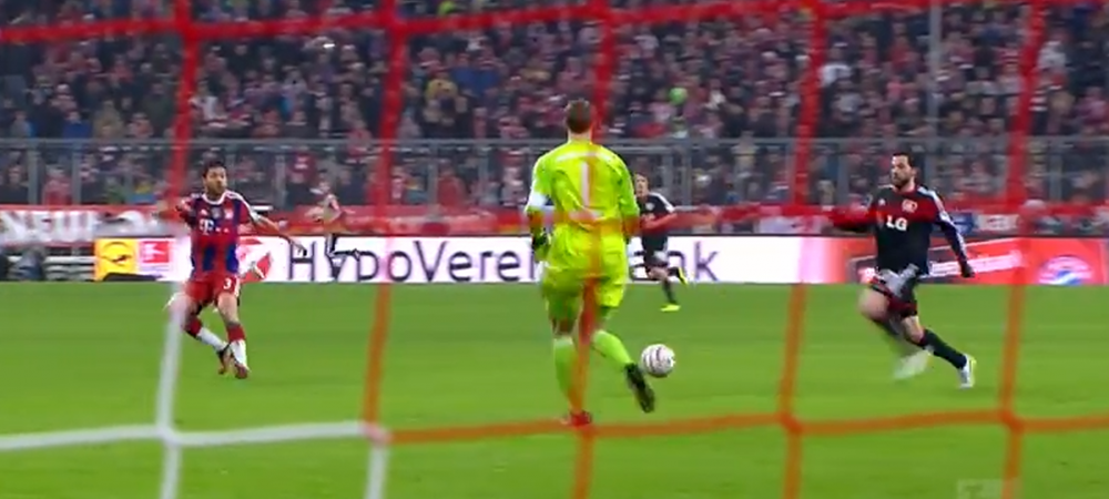 Neuer nu poate sa dea goluri, dar face ASTA ca sa ia 'Balonul de Aur'! Ce a reusit in ultimul meci al lui Bayern