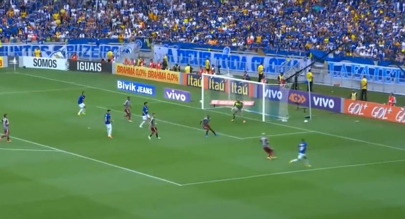 Gol SENZATIONAL, adversarii n-au avut nicio reactie! Cum arata o foarfeca PERFECTA. VIDEO
