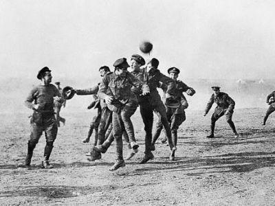 100 de ani de la Miracolul de Craciun! Momentul in care razboiul s-a oprit pentru un meci de fotbal, omagiat acum de UEFA