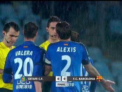 Faza SCANDALOASA la meciul lui Contra cu Barcelona! Arbitrul a oprit meciul cand Getafe era gata sa dea gol! VIDEO