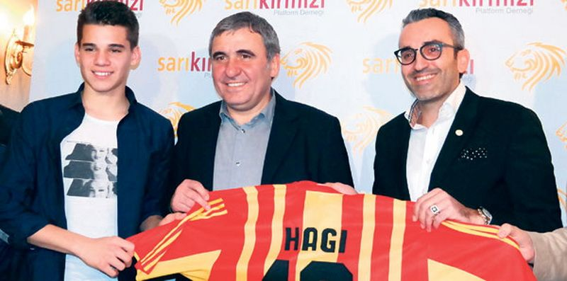 """Vedeti ca e mai frumos ca mine ... seamana cu maica-sa!"" Hagi s-a distrat la Istanbul! Ianis, prima poza cu tricoul lui Galata"