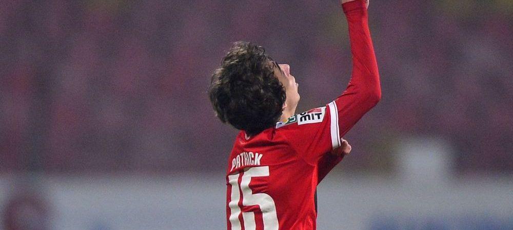 """Patrick, noua vedeta de la Dinamo! """"L-am controlat putin la glezna pe asta mic al lui Florentin Petre, nu i-am facut mare lucru!"""""""