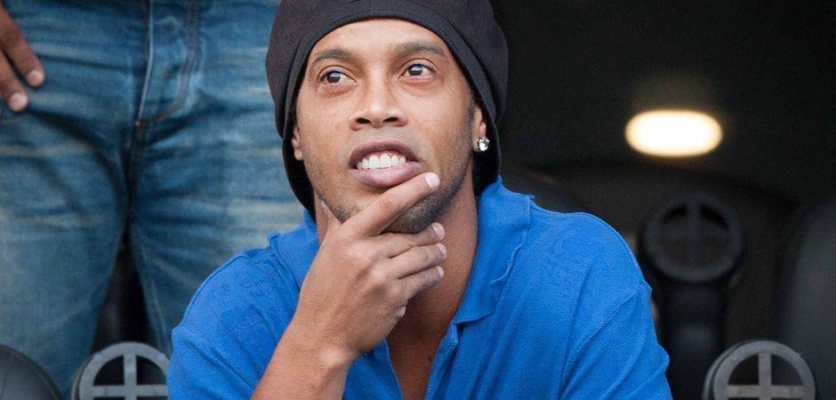 Ronaldinho a discutat cu sefii clubului si au luat DECIZIA! Ce urmeaza pentru 'Dintos' in 2015: