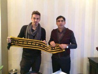 """FOTO Szukala a semnat pe doi ani cu Al Ittihad: """"Am refuzat de doua ori, a treia oara n-am mai rezistat"""" Ce salariu URIAS va primi"""