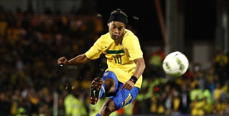 """""""Ne-am inteles"""" Ronaldinho SCHIMBA echipa si continentul! Care va fi ultima aventura a brazilianului in fotbal"""