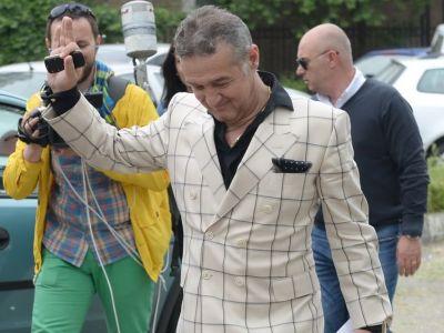 """Becali se intoarce la Steaua: """"O sa ma vedeti numai pe stadion!"""" Prima reactie a dupa ce a iesit din inchisoare:"""