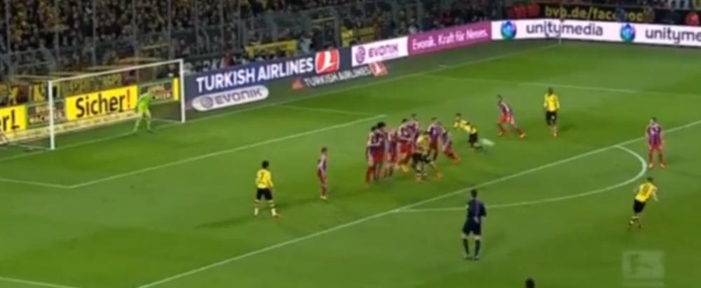 A crezut ca a dat gol, apoi si-a amintit ca NEUER e in poarta! Ce reactie SENZATIONALA a avut Reus in meciul cu Bayern