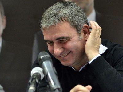 """Reactia lui Hagi cand a fost intrebat la conferinta: """"Veti fi nasul Simonei Halep in vara?"""""""
