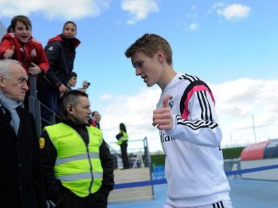 A gresit Odegaard cand a ales Realul? Colegii nu-l suporta, Zidane il tine pe banca iar clubul vrea sa-l imprumute!