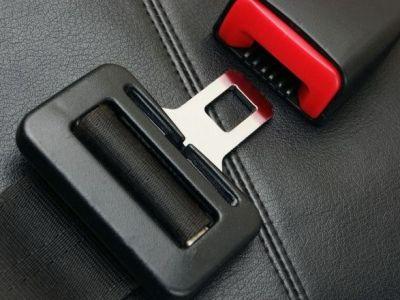 Cum sa-ti pui centura de siguranta corect! Acest truc iti poate salva viata din cele mai cumplite accidente