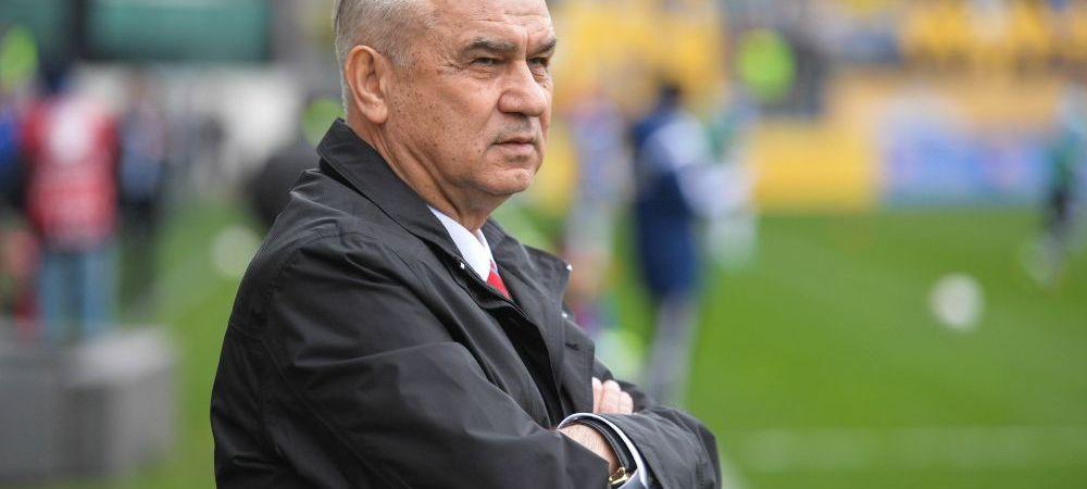 """""""Steaua ia campionatul la 5-6 puncte, n-am nicio emotie"""". Tata Puiu vorbeste despre lupta din Liga I, dar si despre temerile pentru meciul cu Irlanda"""