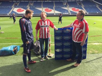 """Valiza cu bere! Un mijlocas de la Heerenveen a cerut 10 navete sa tranteasca meciul care decide titlul: """"Sa vad cat da si Ajax"""""""
