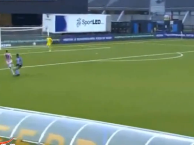 """High Olanda :) Cel mai dezorientat fotbalist al weekendului: """"Banel"""" olandezul si-a dat un autogolazo de la 20 de metri: VIDEO"""