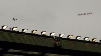 Aparitie senzationala pe cer inaintea ultimului meci al lui Liverpool. Ce mesaj au scris fanii pe un banner tras de un avion. FOTO