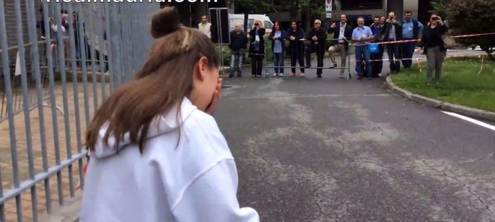 GENIAL! Reactia rara a unei fete cand l-a vazut pe Ronaldo ca iese din aeroportul din Torino! Ce a facut: VIDEO