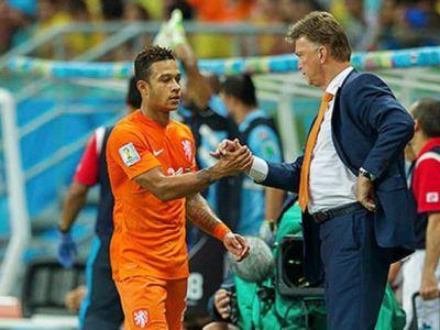 OFICIAL! Manchester United l-a transferat pe golgheterul Olandei! Suma platita de Van Gaal pentru atacantul de 21 de ani