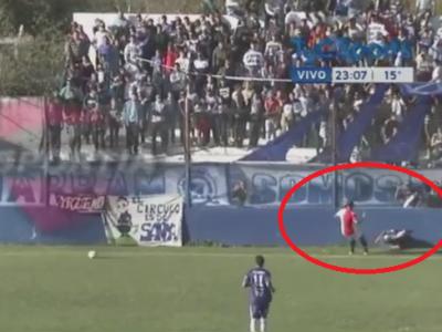 Cea mai stupida tragedie din fotbal! Primul jucator care a MURIT dupa un umar la umar: VIDEO