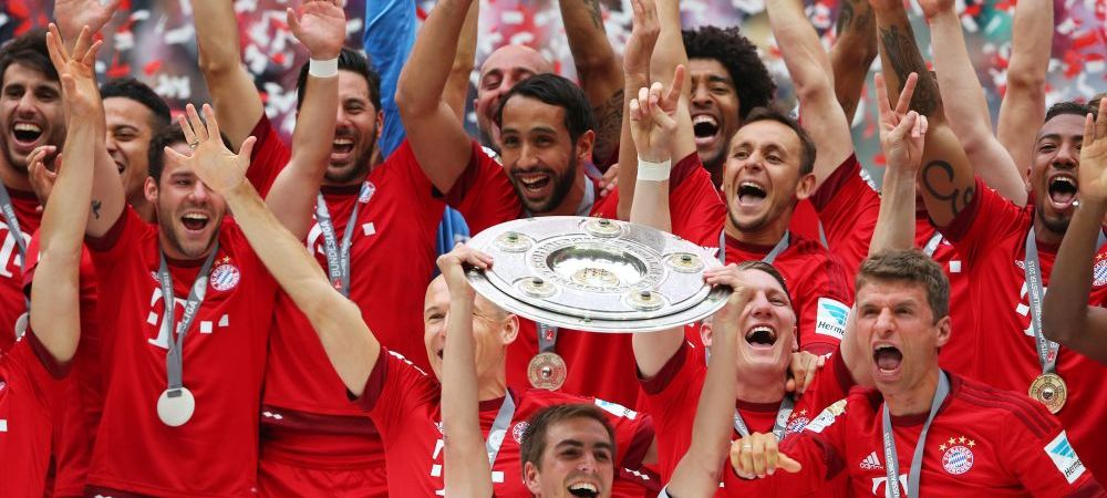 Galerie FOTO | Bayern a primit titlul de campioana dupa victoria cu Mainz! Iertat dupa gafa din semifinala cu Barca, Boateng l-a udat pana la piele pe Guardiola :)