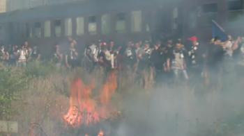 Imagini incendiare in Bucuresti! Cum au venit suporterii Universitatii Cluj inaintea finalei Cupei cu Steaua. FOTO