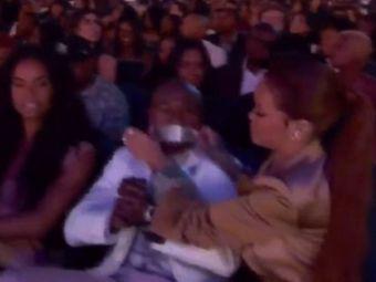 Singurul mod in care a putut sa-l faca sa TACA DIN GURA :) Ce i-a facut Rihanna lui Mayweather in fata tuturor. FOTO