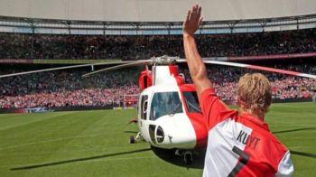 Dupa 9 ani, Kuyt s-a intors la Feyenoord cu o prezentare fantastica: a aterizat cu ELICOPTERUL pe stadion. FOTO