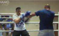 Hamutovski s-a apucat de box! Fostul portar al Stelei a urcat in ring pentru un meci demonstrativ, dar lupta s-a lasat cu sange VIDEO