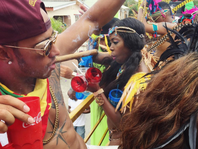 """Hamilton, chef nebun in Barbados! Bea, fumeaza si danseaza: """"Zero f**** given!"""" Imaginile care fac senzatie pe net VIDEO"""
