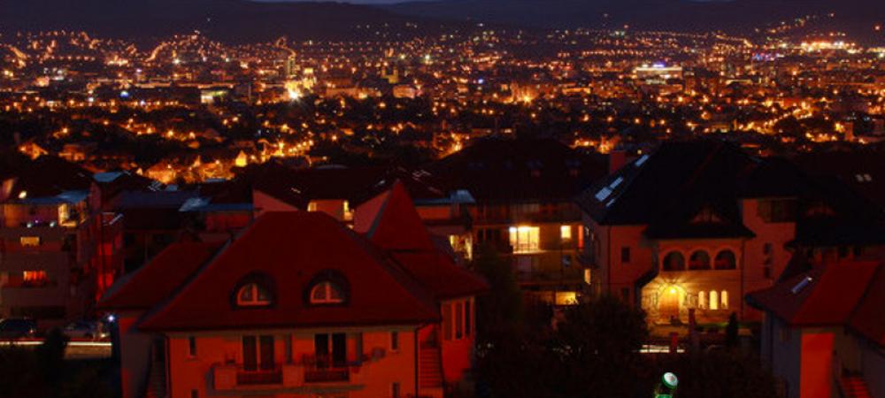 Cine a vizitat locurile acestea o data ramane cu sufletul aici! Uite care este unul dintre cele mai frumoase orase din Romania :)