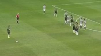 Gol EXTRATERESTRU al acestui jucator! Lovitura libera gen 'Roberto Carlos' care a devenit viral