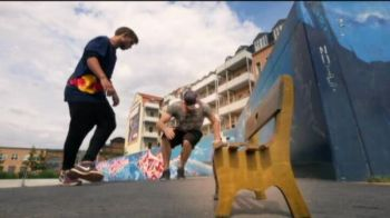 VIDEO FABULOS | Ce reusesc sa faca acesti pusti e incredibil: trickurile mai tari decat orice magie
