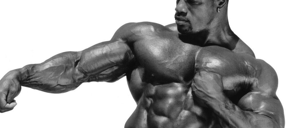 In 2002 era al treilea cel mai musculos om de pe planeta! Cum arata 3 ani mai tarziu, dupa ce a incetat sa mai ia steroizi! FOTO