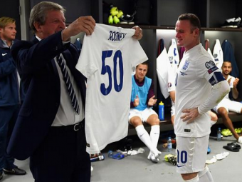 Discursul regelui   Fantastic: Rooney l-a depasit pe Bobby Charlton, iar la finalul meciului a tinut un discurs in lacrimi in vestiar