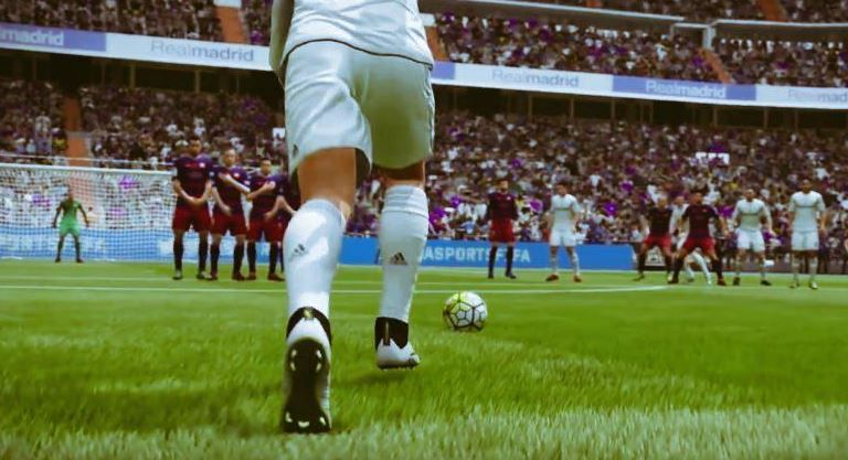 Messi nu a avut loc, Ronaldo n-are cel mai puternic sut! TOP 10 jucatori din FIFA 16 cu cel mai bun sut