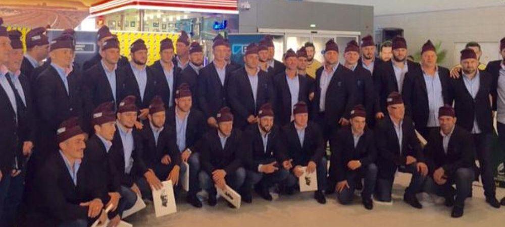 Cum arata URIASII care au blocat astazi aeroportul din Bucuresti! Aparitie spectaculoasa pentru nationala de rugby a Romaniei