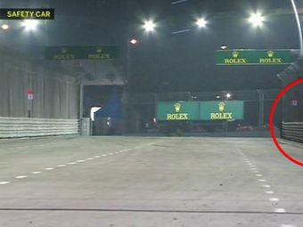 Scene incredibile in Marele Premiu din Singapore castigat de Vettel! Un spectator a intrat pe pista printre masinile care mergeau cu 200km/h!