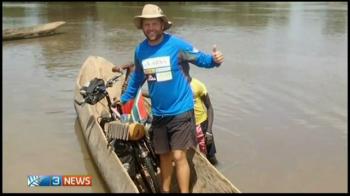 Cosmarul trait de sud-africanul care a plecat acum DOI ANI de acasa pe bicicleta sa prinda mondialul de rugby. Ce a patit la primul meci