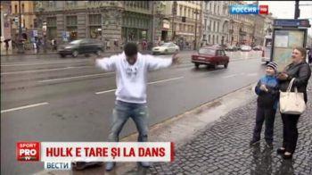 VIDEO   Si-a instalat casetofonul in mijlocul strazii si a inceput sa danseze. Hulk, gest superb pentru un copil bolnav