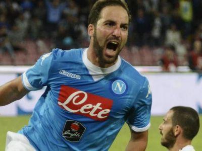 Chiriches are cele mai bune locuri de pe San Paolo! :) Napoli a UCIS-O pe Juve, campioana Italiei e pe 13! VIDEO
