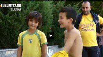 Reactia fantastica a acestui copil din Slatina atunci cand Stelea l-a rugat sa-i arate cum se bucura la gol :) VIDEO