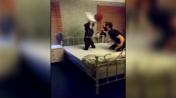 Scene senzationale! Cum arata un dormitor transformat intr-un ring de wrestling