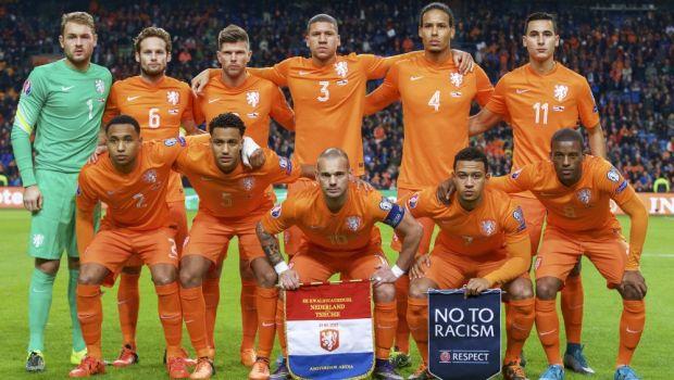 """""""Cea mai mare rusine din istorie"""" si """"Cifrele sunt inimaginabile, patetice"""". Sneijder si Van Persie, facuti praf de olandezi, dupa ratarea calificarii la EURO"""